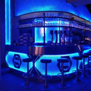 """Communication - Habillage du bar """"Le Moog"""""""